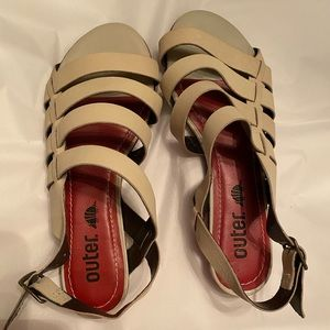 NWOT Cute leather sandals size 6.5